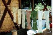 草木染で染めた毛糸